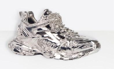 Nieuwe sneaker van Balenciaga kun je niet eens dragen