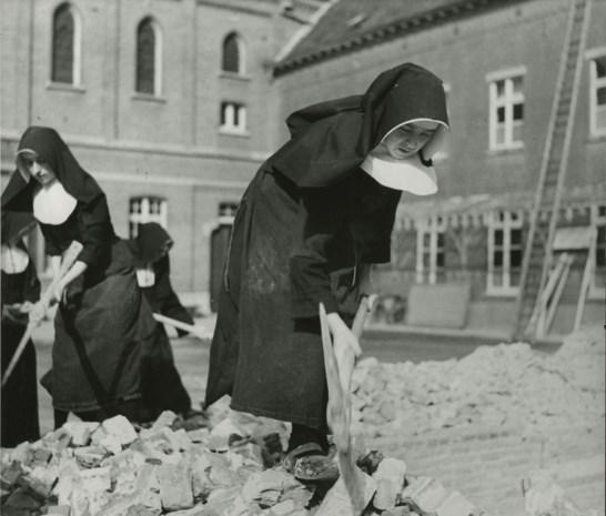 """Geschiedenis van 160 jaar zusters van Sint-Antonius te boek gesteld: """"De zusters hebben altijd midden de Leeuwenaren gestaan"""""""