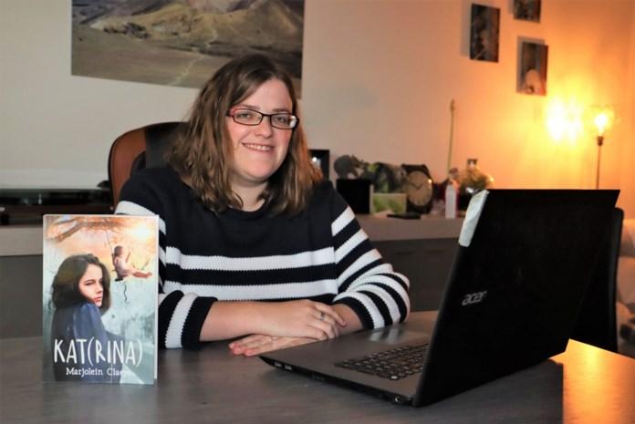 """Marjolein (31) brengt debuutroman uit: """"Een jeugddroom die in vervulling gaat, met dank aan de lockdown"""""""