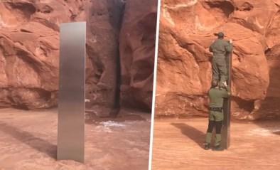 """Bemanning helikopter merkt mysterieus metalen object op in woestijn: """"Vreemdste dat ik ooit tegenkwam"""""""