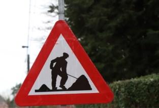 """Sijselestraat krijgt wegdek in asfalt: """"Verzakkingen zorgen voor geluidsoverlast"""""""