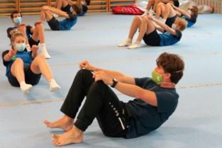 Sportleerkracht houdt leerlingen Sint-Eduardus ook vanop afstand fit met 'quarantraining'