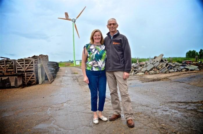 """Burgemeester Dedecker verbiedt kleine windmolens op grondgebied: """"Negatieve impact op de schoonheid van Middelkerke"""""""
