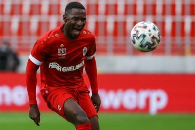 """Vergeet Lamkel Zé, Antwerp heeft met Hongla een 'nieuw' Kameroense goudhaantje in huis: """"Ooit wil ik terug bij Barcelona spelen"""""""
