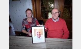 """André (78) verliest broer en beste vriend aan corona: """"We zouden nog samen op vakantie gaan"""""""