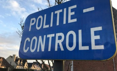 Achttien rijbewijzen ingetrokken tijdens verkeerscontroles