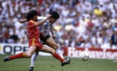 """(Voetbal)wereld reageert aangeslagen op overlijden Diego Maradona: """"Rust zacht, held"""""""