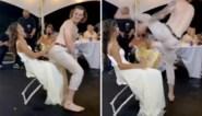 Kersverse echtgenoot doet striptease voor zijn bruid tijdens huwelijksfeest, maar dat loopt niet zoals gepland