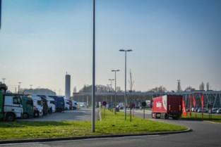 Strijd tegen transmigranten op snelwegparkings wordt opgevoerd: Vlaamse regering maakt 1,8 miljoen euro vrij voor ingrepen