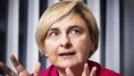 """Economieminister Hilde Crevits: """"Als het veilig kan, moeten niet-essentiële winkels opnieuw open kunnen"""""""