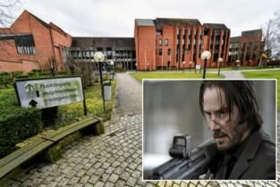 """Celstraf voor dronkenlap die overbuur bedreigt met pistool: """"Ik dacht dat ik John Wick was"""""""