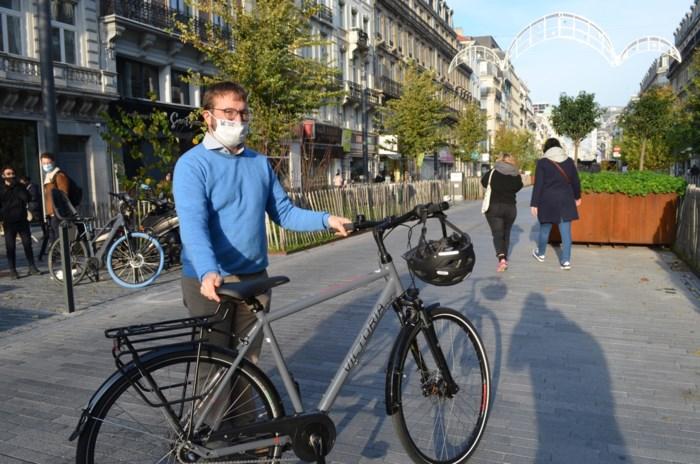 """Ruben Mottart is Brusselse leerkracht van het jaar: """"Wellicht omdat ik creatief ben en humor in mijn lessen steek"""""""