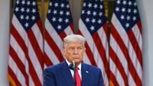 """Trump heeft het gehad met zijn """"idiote"""" juristenteam"""