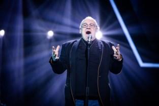 """Erwin (67) staat een halve eeuw na preselecties van Eurosong in The Voice Senior: """"De max om nog eens op zo'n groot podium te zingen"""""""