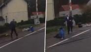 Buschauffeur aarzelt geen moment wanneer bejaarde fietsster op sporen valt bij Loppemse overweg