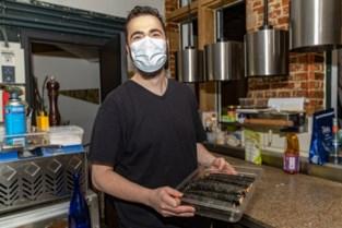 """Chef-kok Sebastian (32) bezorgt nu via take-away zijn gastronomische keuken: """"Ik sta erop om verse producten te gebruiken"""""""