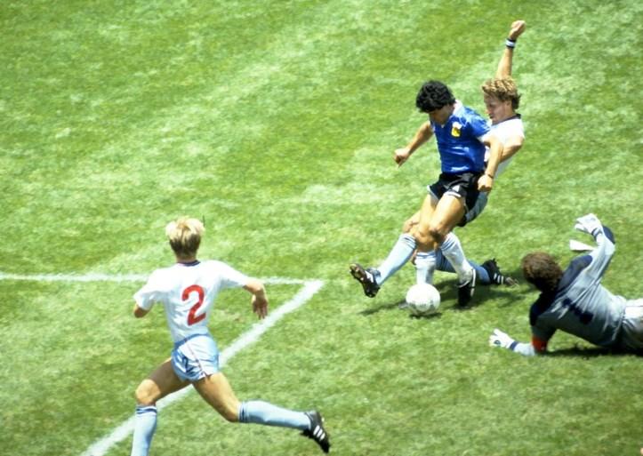 """Onbekend Maradona-verhaal van Gary Lineker gaat in sneltempo de wereld rond: """"Ongelooflijk wat hij toen deed"""""""