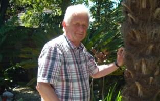 """Voormalige garagist en volksfiguur Raphaël (77) overlijdt aan corona: """"Mijn vader was een echte dorpsmens"""""""
