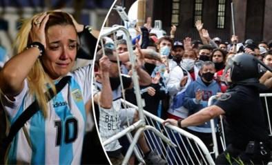 Veel tranen, veel traangas: onze man in Argentinië ziet hoe begrafenis van Maradona moet worden uitgesteld door ongezien verdriet