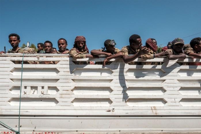Duizenden Ethiopiërs slaan op de vlucht terwijl Nobelprijswinnaar en premier legeroffensief inzet