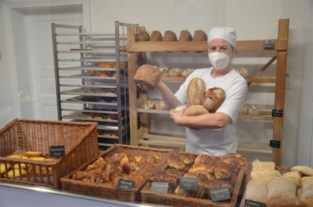 """Ambtenaar Liesbet (40) wordt artisanaal bakker: """"Tragere broden leveren een rijkere smaak"""""""