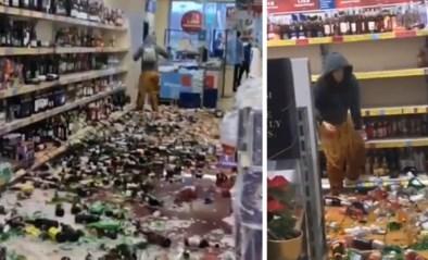 Bizar tafereel in Aldi wanneer vrouw apathisch honderden flessen kapot gooit