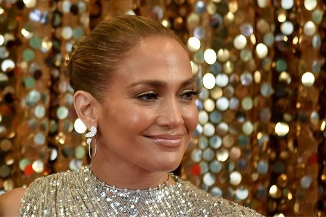 Jennifer Lopez gaat volledig uit de kleren voor hoes van nieuwe single