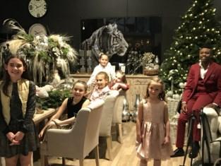 Obi van 'De Buurtpolitie' maakt kerstclip met Brasschaatse dansschool