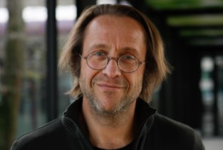 """Taalprofessor uit Oudsbergen: """"Accent mag geen probleem zijn"""""""