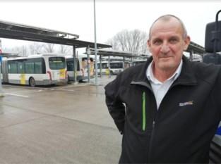 """Heldhaftige buschauffeur Glenn (64) haalt bejaarde fietsster van treinsporen: """"Ik kwam geen moment te vroeg"""""""