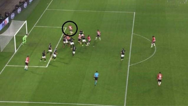 Gekte in de Europa League: terwijl Roofe Vertonghen torpedeert, wordt goal van PSV om bizarre reden afgekeurd
