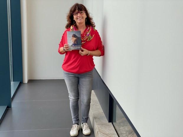 """Personal coach en schrijfster Ann (53) ziet gevolgen van coronacrisis in praktijk: """"Meer mensen komen langs voor coaching"""""""