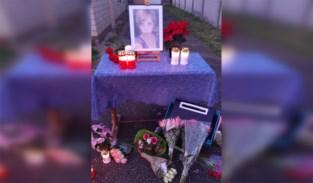 """Bloemen en kaarsen voor vermoorde Sofie: """"Zo hebben we toch meer dan het beeld van een verzegelde deur"""""""