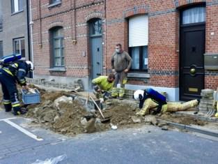 Gasleiding stukgetrokken tijdens werken: arbeider bevangen