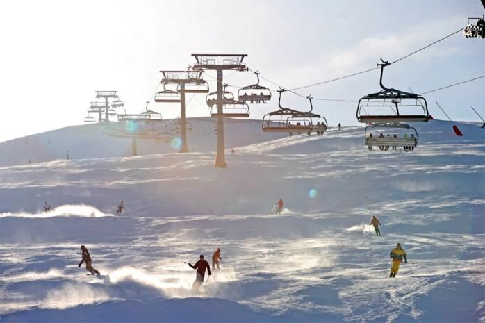 De witte woede: Oostenrijk weigert skiseizoen uit te stellen, Duitsland en Italië verbieden reizen naar daar