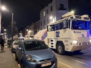 Rellen in Anderlecht: jongeren gooien stenen en molotovcocktails