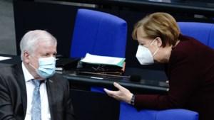 """Duitse minister wil Syriërs kunnen deporteren """"als ze misdaden hebben gepleegd of een bedreiging vormen"""""""
