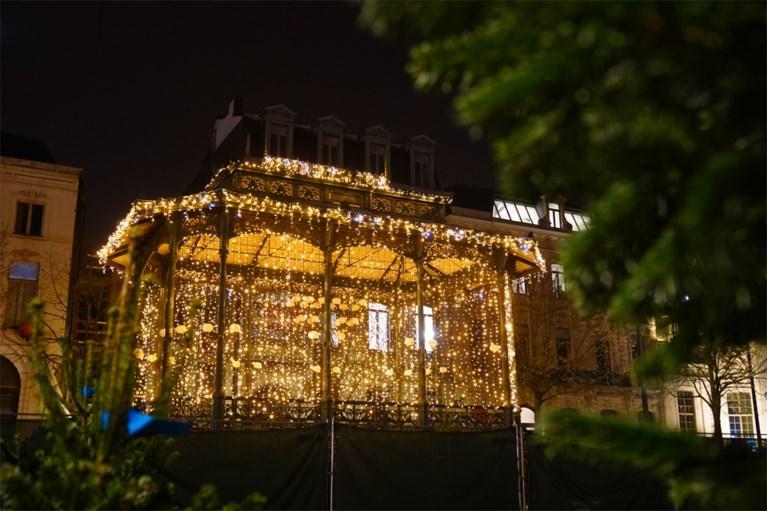 De lichtgevende draakjes zijn aangestoken in Gent