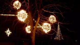 Feestcommissie haalt lichtjeswedstrijd van onder het stof