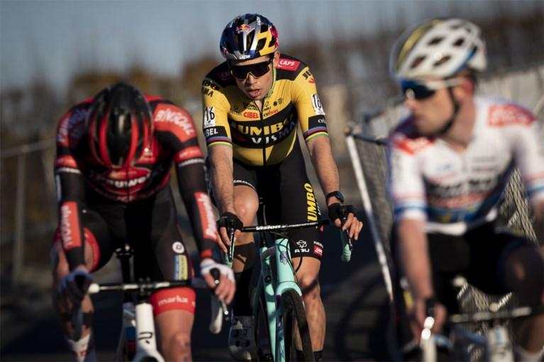 """Terugkerende Wout van Aert in eerste cross meteen op podium: """"Ik had dit vooraf niet verwacht"""""""