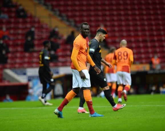 Mbaye Diagne leeft nog: spits scoort hattrick voor Galatasaray