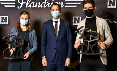 """Premier De Croo van de Wetstraat naar de Flandrien: """"Mijn zoon Tobias is net iets meer fan van Wout en Gabriël iets meer van Remco"""""""