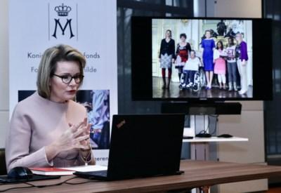 """Koningin Mathilde geeft zeldzaam interview tijdens coronacrisis: """"Ook wij zullen Kerstmis klein vieren. We moeten toch de zwakkeren beschermen?"""""""