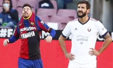 Messi eert Maradona bij FC Barcelona met goal en truitje, ook wereldgoal Griezmann in belangrijke zege