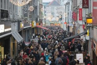 Twijfel over koopzondagen: leiden die tot volkstoeloop of zijn ze net goed om klanten te spreiden?
