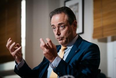 """Bart De Wever reageert op overlijden Willy Kuijpers: """"Ik zou zelf iets meer hem willen zijn"""""""