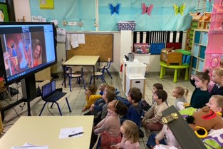 Gemeentelijke basisschool van Dworp deed mee met de Voorleesweek