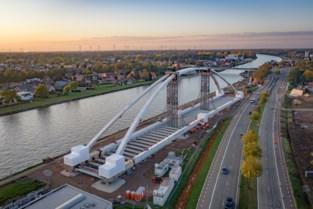 Fietsen op Kasteletsingel blijft verboden door werken nieuwe brug