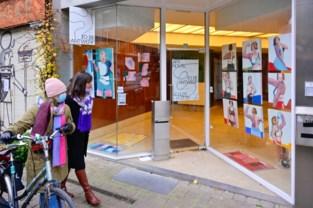 Pas afgestudeerde kunstenaars <BR />exposeren voor vijfde keer in etalages