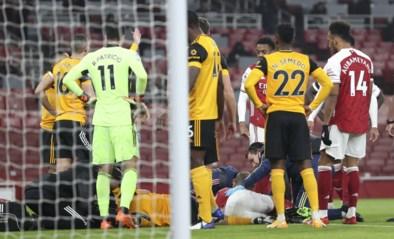 Raul Jimenez houdt schedelbreuk over aan vreselijke botsing met David Luiz